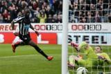 Hạ Newcastle, Arsenal tiếp tục rình rập nhì bảng