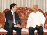 Chủ tịch nước Trương Tấn Sang đến thăm lãnh đạo lão thành Lào