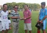 Quyên góp 22 triệu đồng ủng hộ cựu tuyển thủ Trần Tấn Thông chữa bệnh