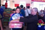 Hội Chữ thập đỏ tỉnh Bình Dương: Tặng 200 phần quà cho người nghèo