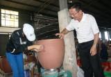 Vực dậy làng nghề gốm sứ