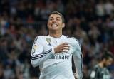 Ronaldo đá hỏng phạt đền, Real vẫn bám riết Barca