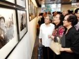Hình ảnh thế giới đoàn kết với Việt Nam giải phóng đất nước