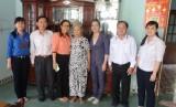 Chi cục Thú y tỉnh: Thăm và tặng quà cho các Mẹ Việt Nam Anh hùng
