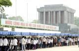 Hơn 103.000 lượt người vào Lăng viếng Bác dịp Lễ 30-4 và 1-5