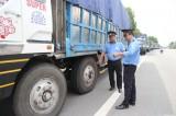 Kiểm tra, xử phạt quy định về tải trọng xe: Quyết liệt thực hiện các giải pháp