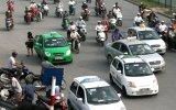 Giá xăng tăng cao, các doanh nghiệp vận tải rục rịch tăng cước