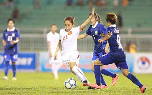 ... đã chạm trán đội tuyển Thái Lan (ĐTTL) trong trận đấu xác định ai sẽ là  đối thủ của Myanmar ở chung kết giải bóng đá nữ Đông Nam Á năm 2015.