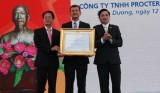 Công ty P&G Việt Nam đón nhận Huân chương Lao Động hạng Nhì