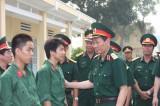 Quân đoàn 4: Làm tốt công tác giáo dục chiến sĩ mới có hoàn cảnh gia đình Quân đoàn 4 khó khăn