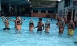 Dạy bơi miễn phí cho trẻ em có hoàn cảnh khó khăn