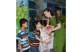 Cảnh sát PC&CC: Tổ chức Ngày Quốc tế Thiếu nhi cho trẻ em nghèo
