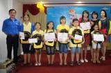 Tấm lòng trẻ em gửi bộ đội Trường Sa