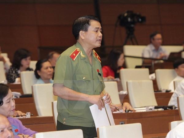 Đại biểu Quốc hội thành phố Hà Nội Nguyễn Đức Chung phát biểu ý kiến