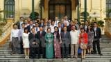 Trí thức Việt ở nước ngoài đề xuất giải pháp về tài chính, giáo dục