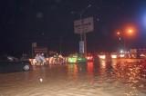 Mưa lớn gây ngập nặng cục bộ trên đại lộ Bình Dương