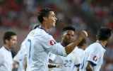 Ronaldo lập hat-trick giúp Bồ Đào Nha thắng trận