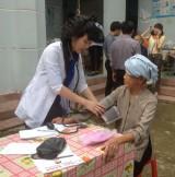 Xã An Sơn, TX.Thuận An: Khám bệnh và cấp thuốc miễn phí cho các gia đình chính sách