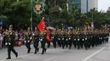 Tiếng hát rộn vang cùng đoàn diễu binh trên phố phường Hà Nội