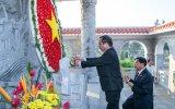 Lãnh đạo tỉnh, Ủy ban MTTQ Việt Nam tỉnh dâng hương tưởng nhớ các anh hùng liệt sĩ đã hy sinh vì độc lập, tự do của dân tộc