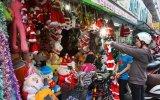 Sôi động thị trường Noel