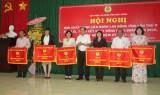 Liên đoàn lao động tỉnh: Tặng cờ thi đua cho 10 đơn vị xuất sắc trong hoạt động phong trào
