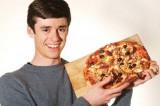Chàng trai ăn 16.000 con sâu bọ vì... nghiện