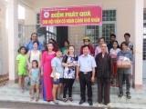 Hội chữ thập đỏ xã Thanh An (Dầu Tiếng): Tặng quà cho hội viên có hoàn cảnh khó khăn