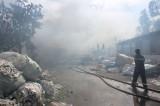 Cháy nhà kho chứa hàng chục tấn phế liệu