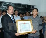 Trao Huân chương Bảo vệ Tổ quốc truy tặng phi công Phạm Đức Trung