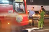 Điều tra nhóm côn đồ tấn công, đập phá xe khách