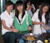 Liên đoàn Lao động huyện Bàu Bàng: Sẻ chia tết với công nhân