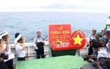 Đoàn công tác Bộ Tư lệnh Vùng 2 Hải quân: Tổ chức lễ tượng niệm các anh hùng liệt sĩ hy sinh trên biển