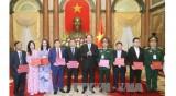 """越南国家主席陈大光:力争打造""""越南制造""""国际商标"""
