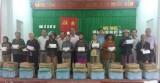 Câu lạc bộ Những người tình nguyện TX.Dĩ An: Thăm và tặng quà tết cho người nghèo vùng lũ tỉnh Bình Định