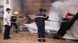 Cơ sở sản xuất đồ gỗ bị bốc cháy lúc sáng sớm