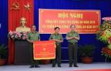 Thủ tướng Chính phủ tặng cờ thi đua xuất sắc năm 2016 cho Công an tỉnh