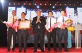 Công ty cổ phần công nghiệp Đông Hưng đón nhận Huân chương Lao động hạng Ba