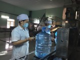 劳动工人参加劳动生产竞赛运动
