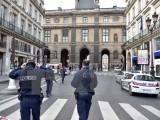 Pháp bắt giữ 3 nghi can lên kế hoạch tấn công khủng bố