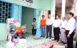 为橙黄剂受害者维修、建赠房屋