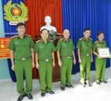 Giám đốc công an tỉnh: Khen thưởng Phòng Cảnh sát kinh tế