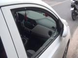 Ôtô đậu trước trường mầm non lại bị đập kính trộm tài sản