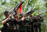 Philippine gov't, rebels agree to resume peace talks