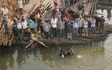 Lực lượng cứu nạn, cứu hộ tỉnh tổ chức tìm kiếm thi thể nam sinh nhảy cầu Phú Cường