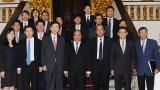 越南政府总理阮春福会见韩国外交部长尹炳世
