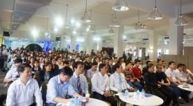 热闹非凡的2017年越南大学生创新创业节