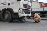 Xe container liên tiếp gây tai nạn
