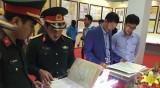 """""""黄沙和长沙两个群岛归属越南—历史证据和法律依据""""地图资料展在海阳省举行"""