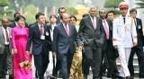 斯里兰卡总理及夫人圆满结束对越南进行的正式访问